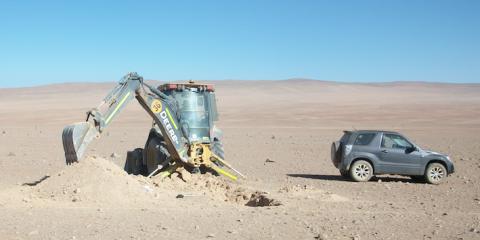 Calicata Geotécnica para planta fotovoltaica en Taltal, Región de Antofagasta (desierto de Atacama), Chile.